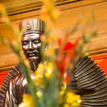 Historisk statue af historisk vigtig vietnamesisk peson