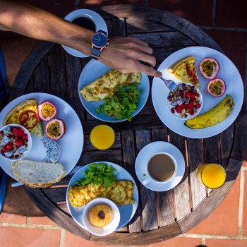 Topas Ecolodge breakfast at a sunny day