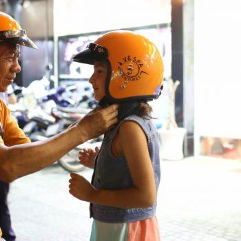Vespa Tour Saigon - children safety